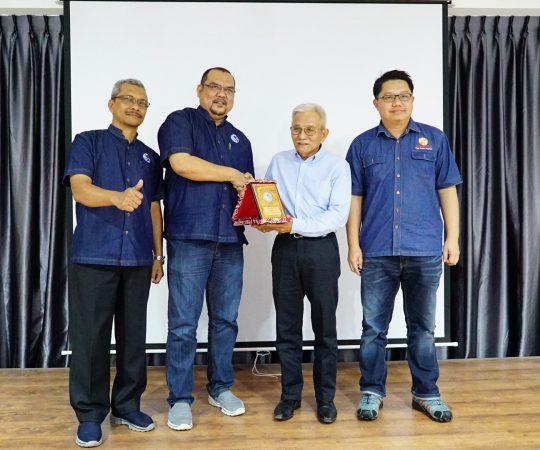 Lawatan Koperasi Syarikat Air Johor (KOSAJ)